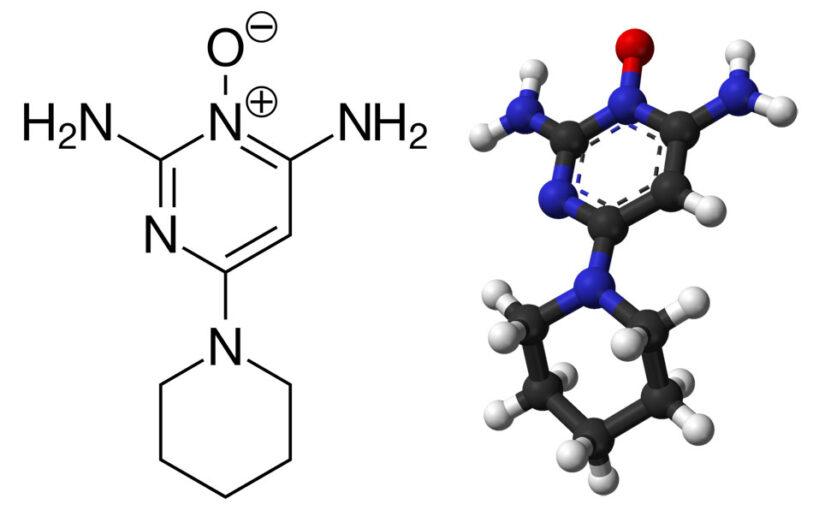 Minoksidiilin molekyylimalli